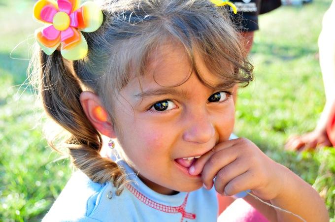 UNA SB closeup little girl
